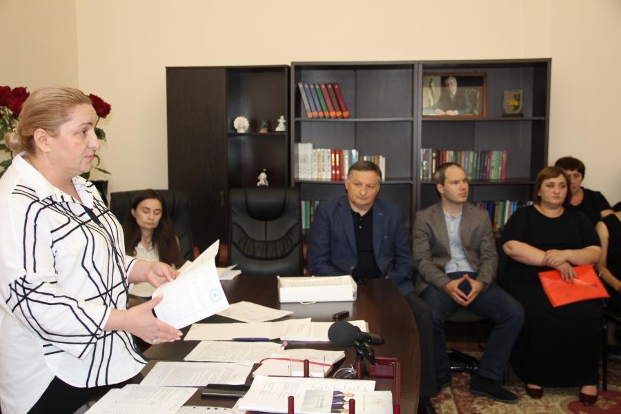 Беслан Эшба принял участие в совещании по вопросам работы дошкольных учреждений после карантина (видео)