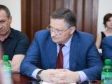 Беслан Эшба подписал распоряжение об освобождении субъектов предпринимательства от арендной платы на период ограничительных мер
